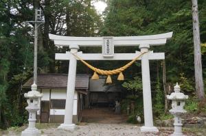 DSC04372 white torii